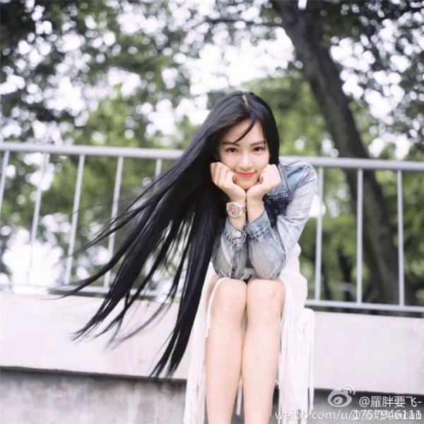 武大校花黄灿灿身份造假 揭樱花女神私照 新华