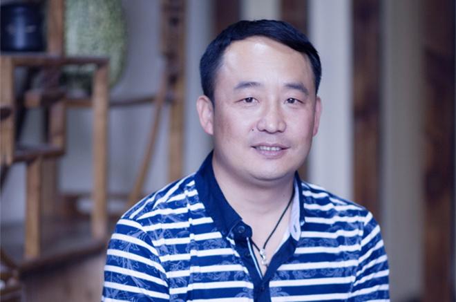 過鵬儒:在創業中傳承非物質文化遺産