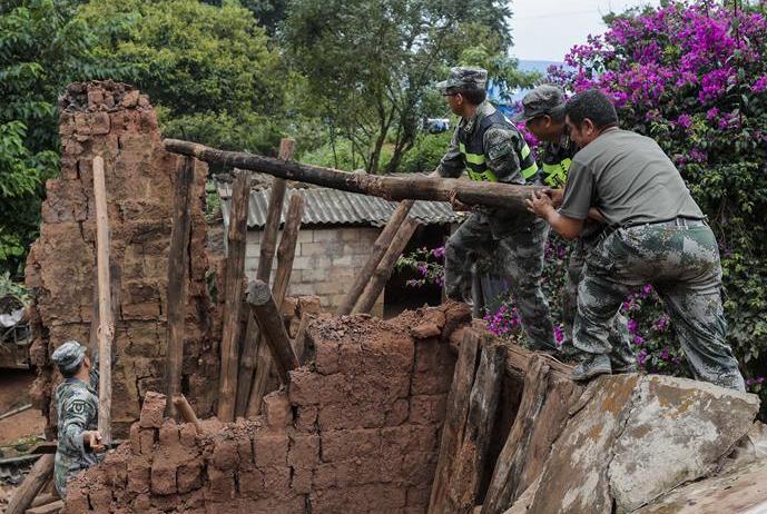 雲南墨江地震受災群眾得到安置