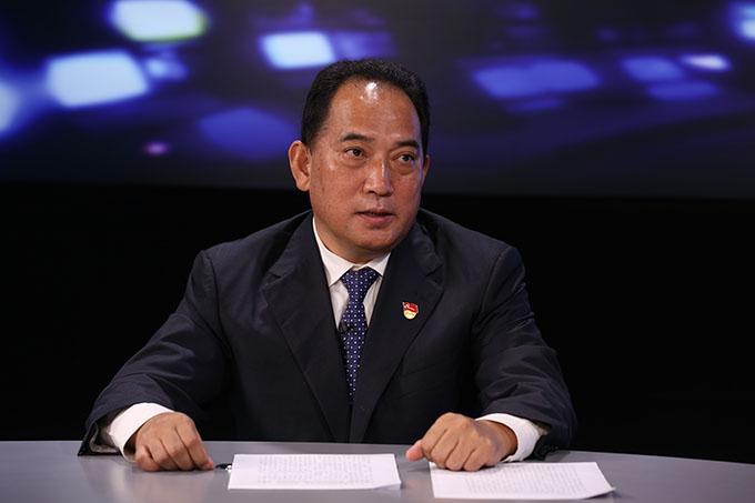 建設民族團結進步示范區是堅持中國特色解決民族問題正確道路的重要實踐。