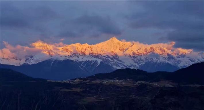 """迪慶州推出""""三觀一體驗""""冬季精品旅遊線路 讓大眾盡享冬季美景"""