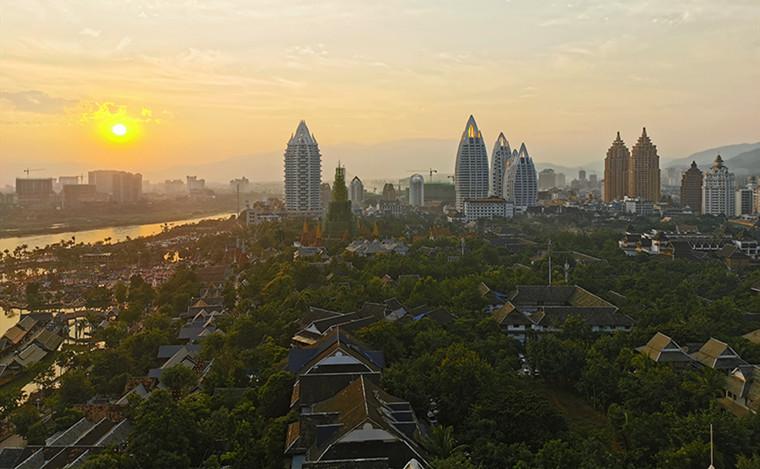 雲南建築大觀:民族風情濃鬱的告莊西雙景