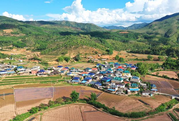 作為一名中國共産黨員,能參與到這場脫貧攻堅戰中,我覺得很榮幸、也很自豪。