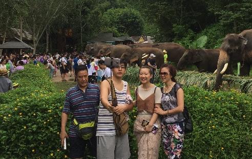 雲南各地景區迎來暑期遊高峰