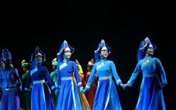 第十三屆滇桂五邊境縣(市)文化交流會在馬關啟幕