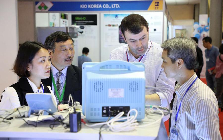 越南國際貿易博覽會在河內舉行