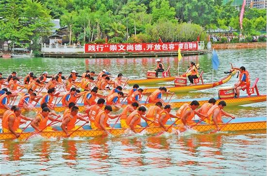 蒙自:龍舟競渡慶端午