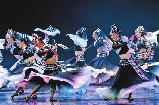 《顶家女》在昆明春城剧院上演