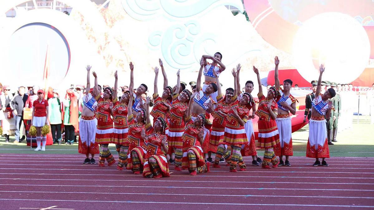 精彩的表演為本屆民族運動會營造熱烈氛圍