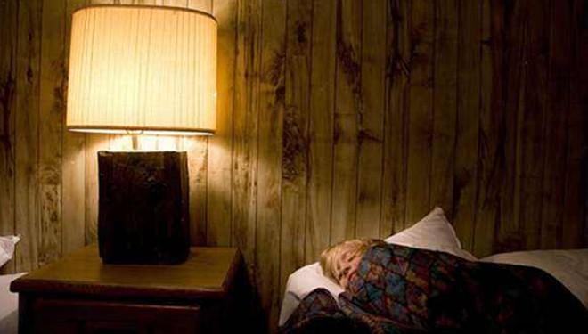 睡覺開燈影響心臟康復