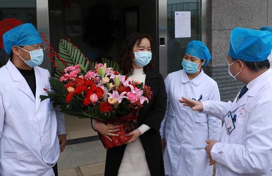 雲南一例新型冠狀病毒感染的肺炎患者治愈出院