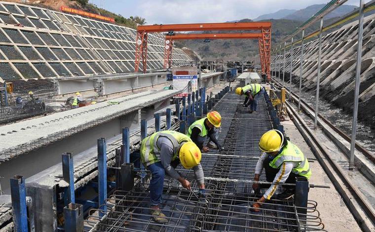 雲南墨臨公路建設進入攻堅衝刺階段