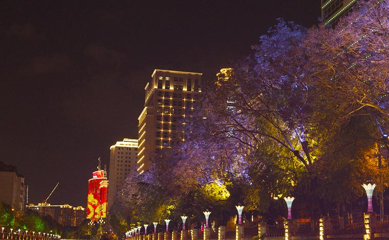夜遊昆明:盤龍江畔 風光無限