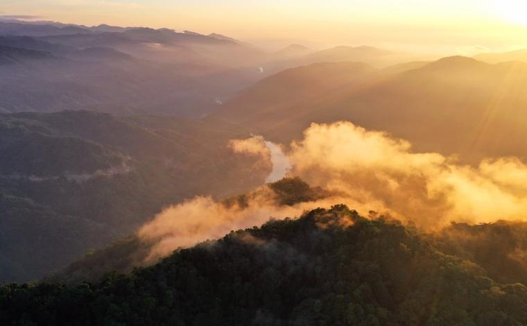 飛閱雲南石梯 看青山綠水中的美麗鄉村