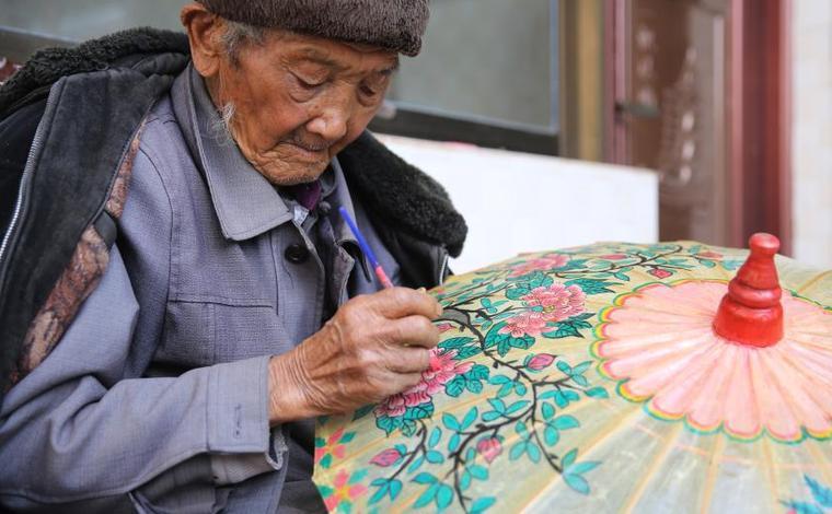 雲南騰衝:百年油紙傘 煥發新生機